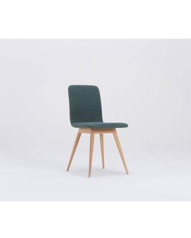 Zelená jedálenská stolička s podnožím z dubového dreva Gazzda Ena